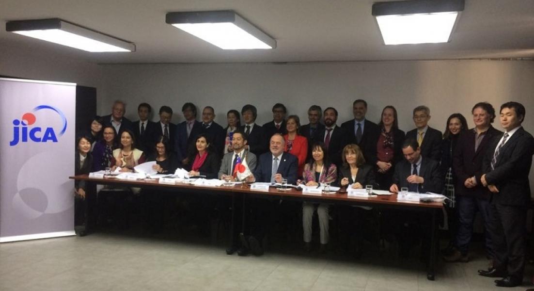 IFOP fortalece vínculos nacionales e internacionales para el estudio de la marea roja