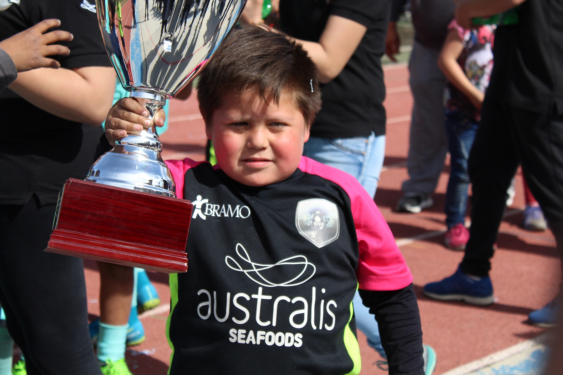 Comercio de Ushuaia se llevó las copas del campeonato de Australis Seafoods