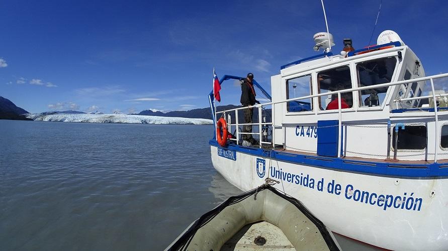 Estudian comportamiento de glaciares en la Patagonia para entender su influencia sobre fiordos