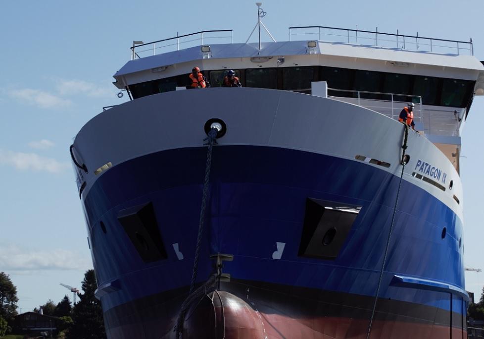 Empresa nacional de wellboats celebra botadura de nueva embarcación